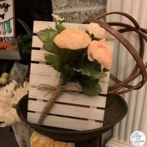flower pallet by Lilac Lane DIY